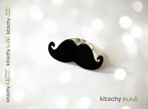 PRSTAN Brki Poirot . RING Mustache Poirot